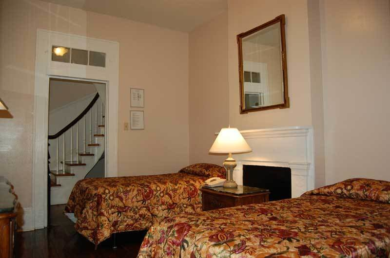 Best Townhouses French Quarter Suites Hotel New Orleans With Pictures
