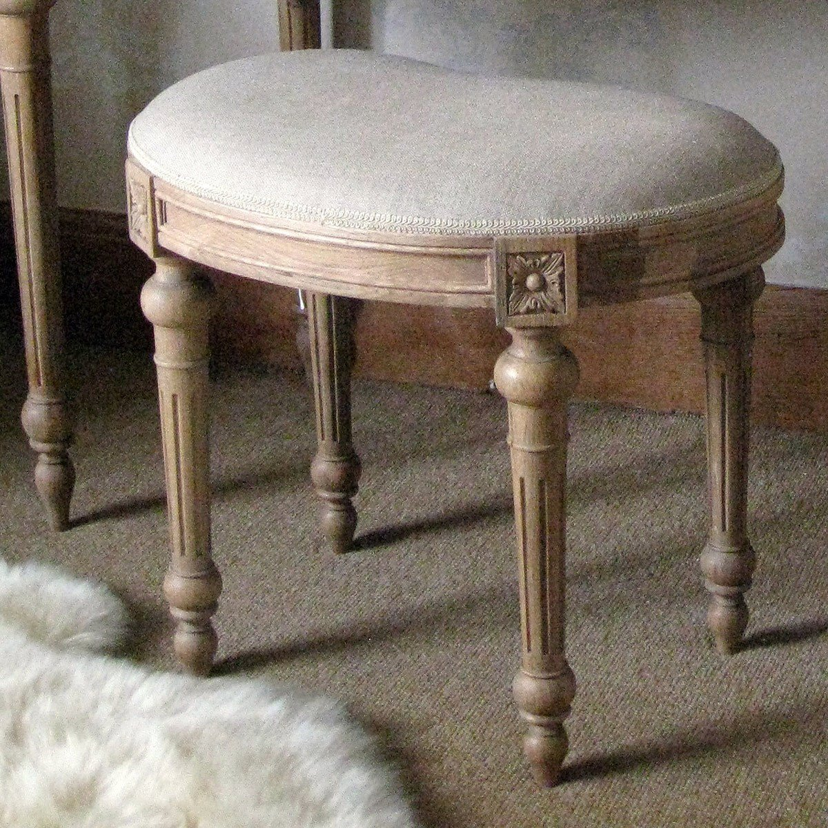 Best Antoinette Oak French Carved Stool French Bedroom Company With Pictures