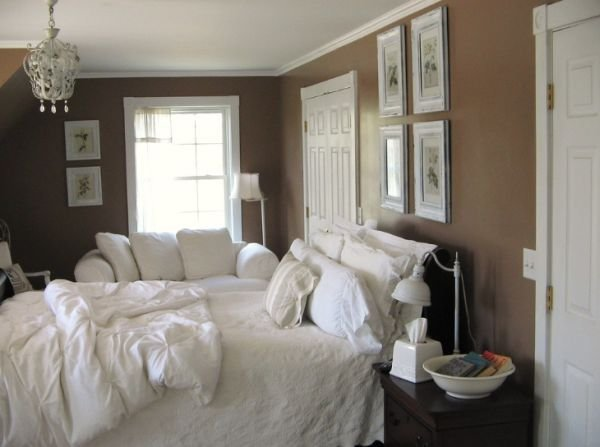 Best How To Decorate A Bedroom With Brown Walls With Pictures