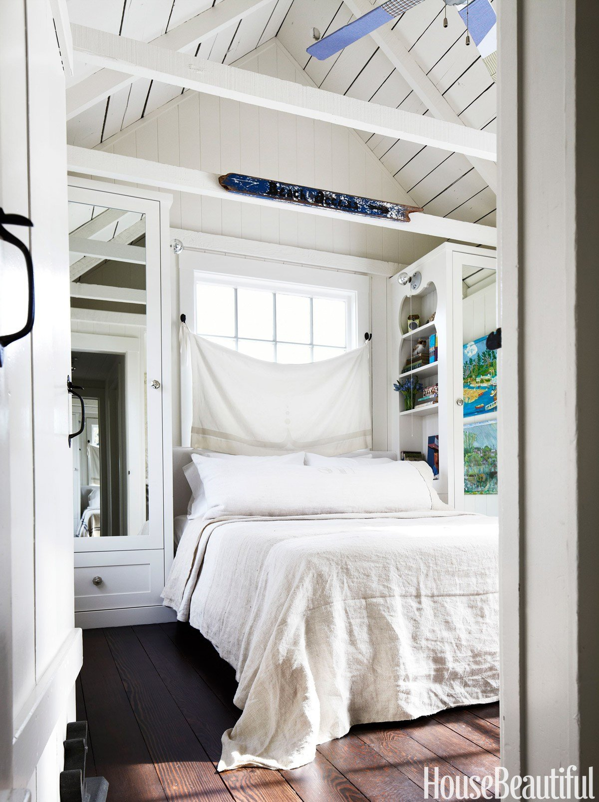Best 10 Small Bedroom Decorating Ideas Design Tips For Tiny With Pictures