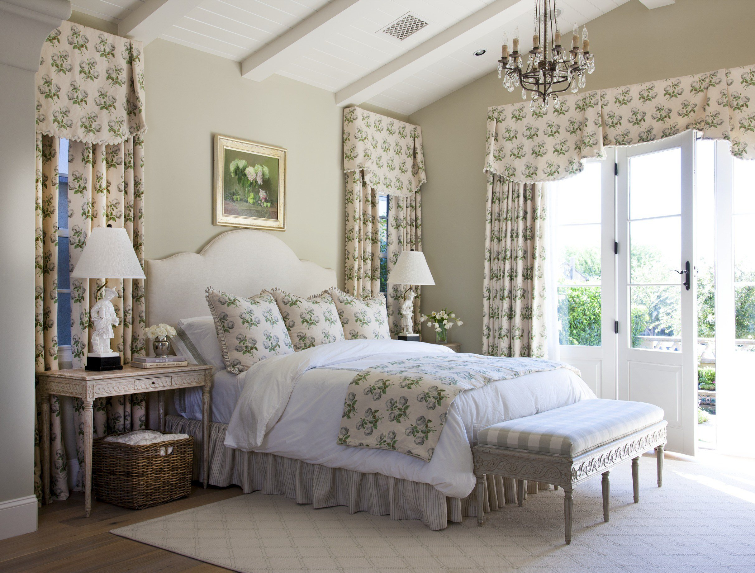 Best 12 Romantic Bedrooms Traditional Home With Pictures