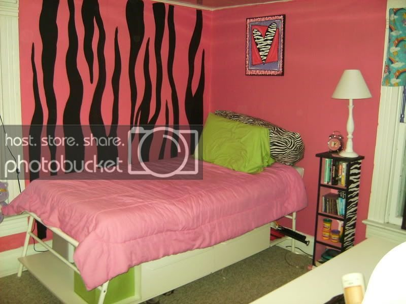 Best Pink Zebra Print Bedroom With Themed Accessories Home With Pictures