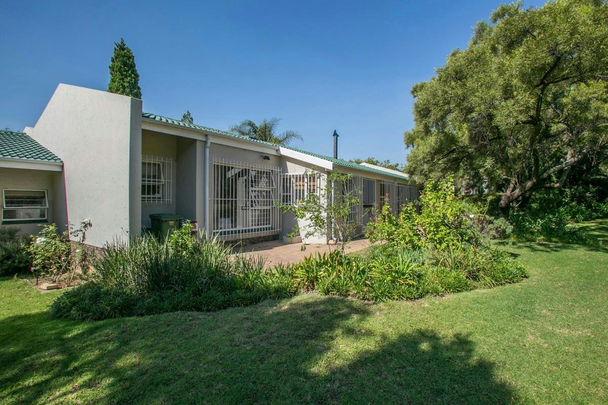 Best 3 Bedroom Townhouse For Sale Lonehill Fw1315712 Pam With Pictures