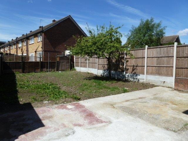 Best 3 Bedroom House To Rent In Broadcombe Monks Hill South Croydon Cr2 With Pictures