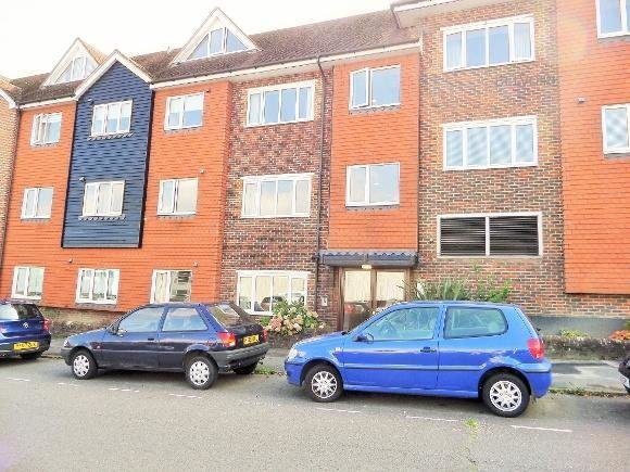 Best 2 Bedroom Flat To Rent In Radnor House Harlands Road With Pictures