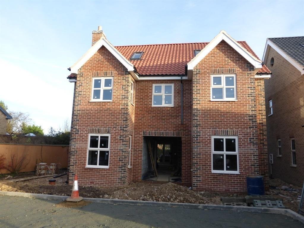 Best 5 Bedroom Detached House For Sale In London Road Yaxley With Pictures