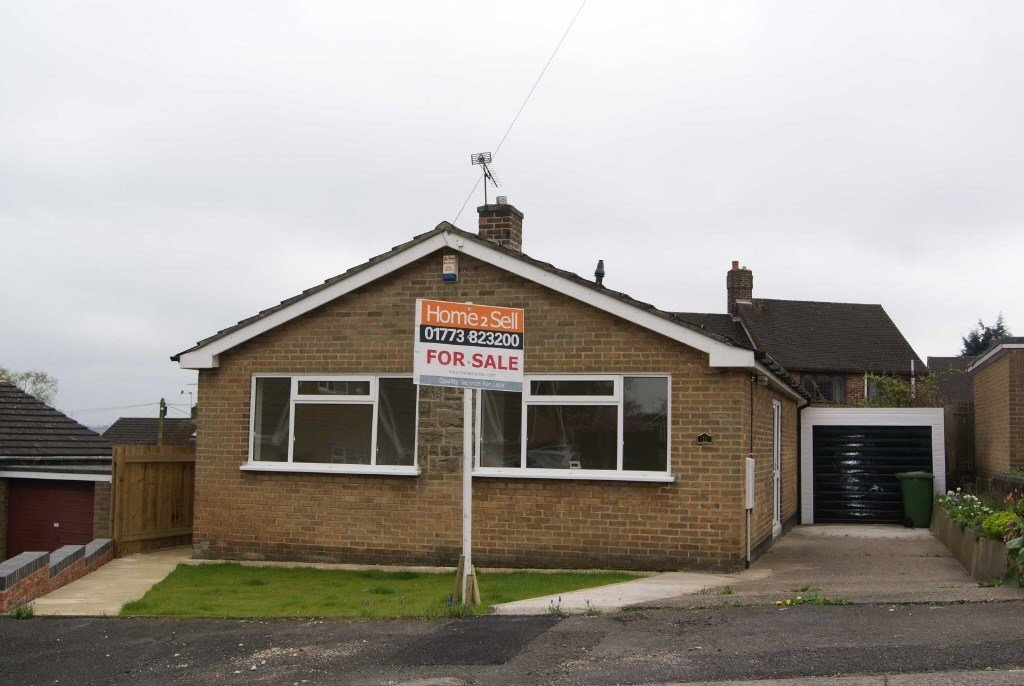 Best 2 Bedroom Detached Bungalow For Sale In Bessalone Drive With Pictures