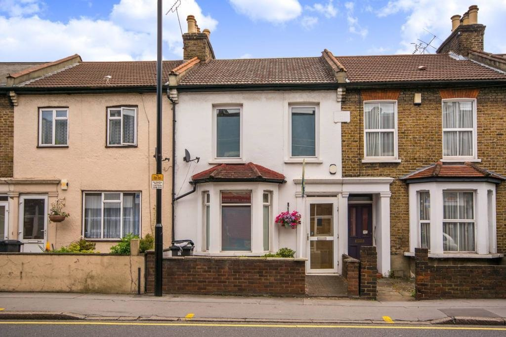 Best 2 Bedroom House For Sale In Southbridge Road Croydon Cr0 With Pictures
