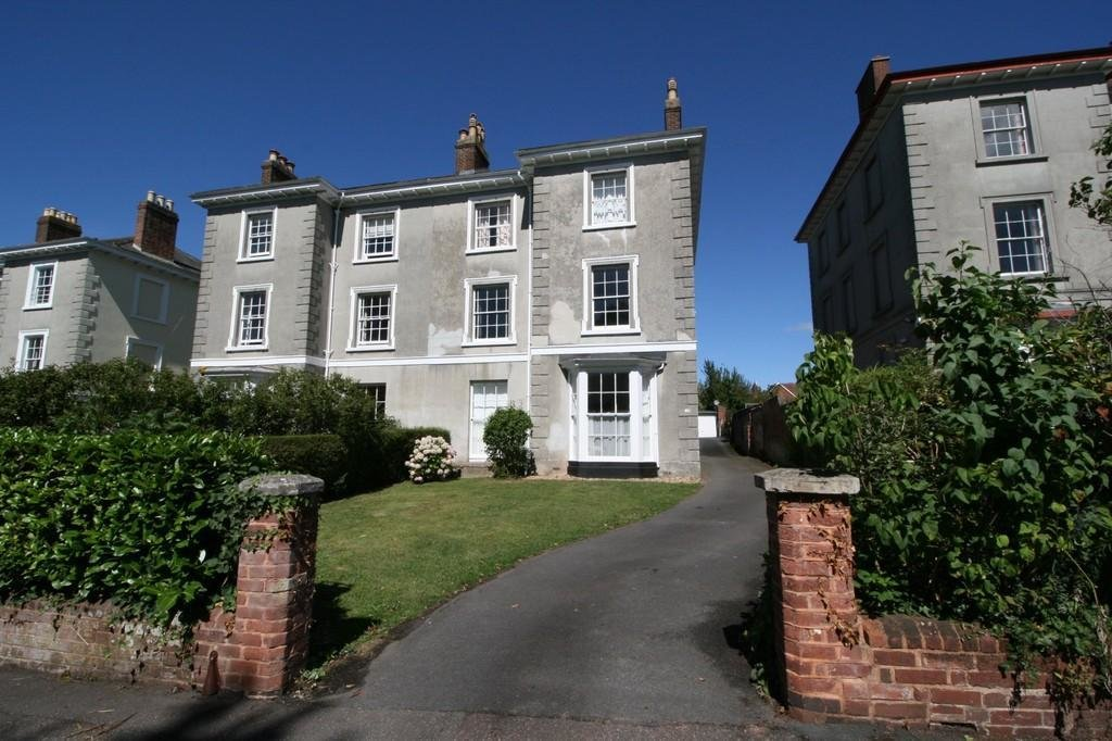 Best 2 Bedroom Flat To Rent In 16 Howell Road Exeter Ex4 With Pictures