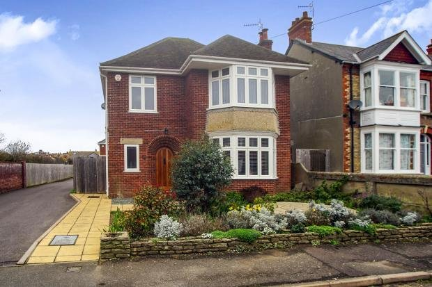 Best 3 Bedroom Detached House For Sale In Stavordale Road With Pictures