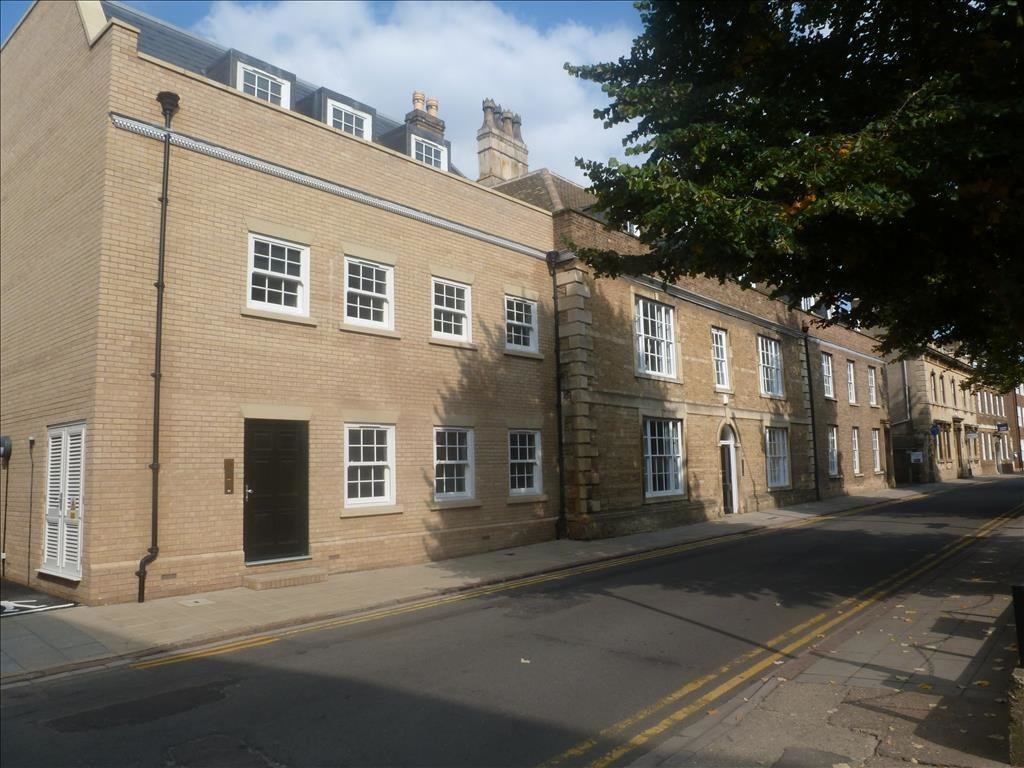 Best 2 Bedroom Apartment For Sale In Priestgate Court Preistgate Peterborough Pe1 With Pictures