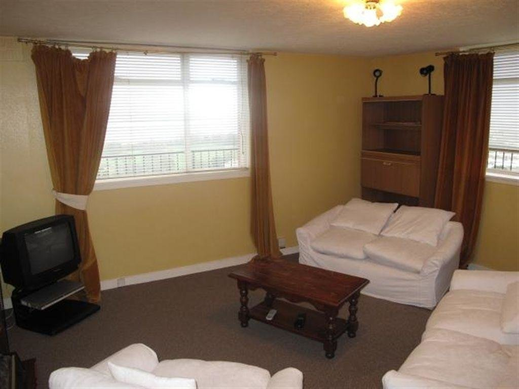 Best 2 Bedroom Flat To Rent In Pennywell Gardens Muirhouse With Pictures