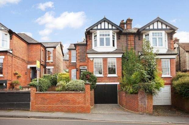Best 3 Bedroom House For Sale In Wodeland Avenue Guildford With Pictures