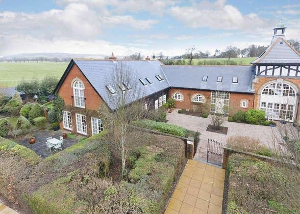 Best 4 Bedroom House For Sale In Tandridge Oxted Surrey Rh8 With Pictures