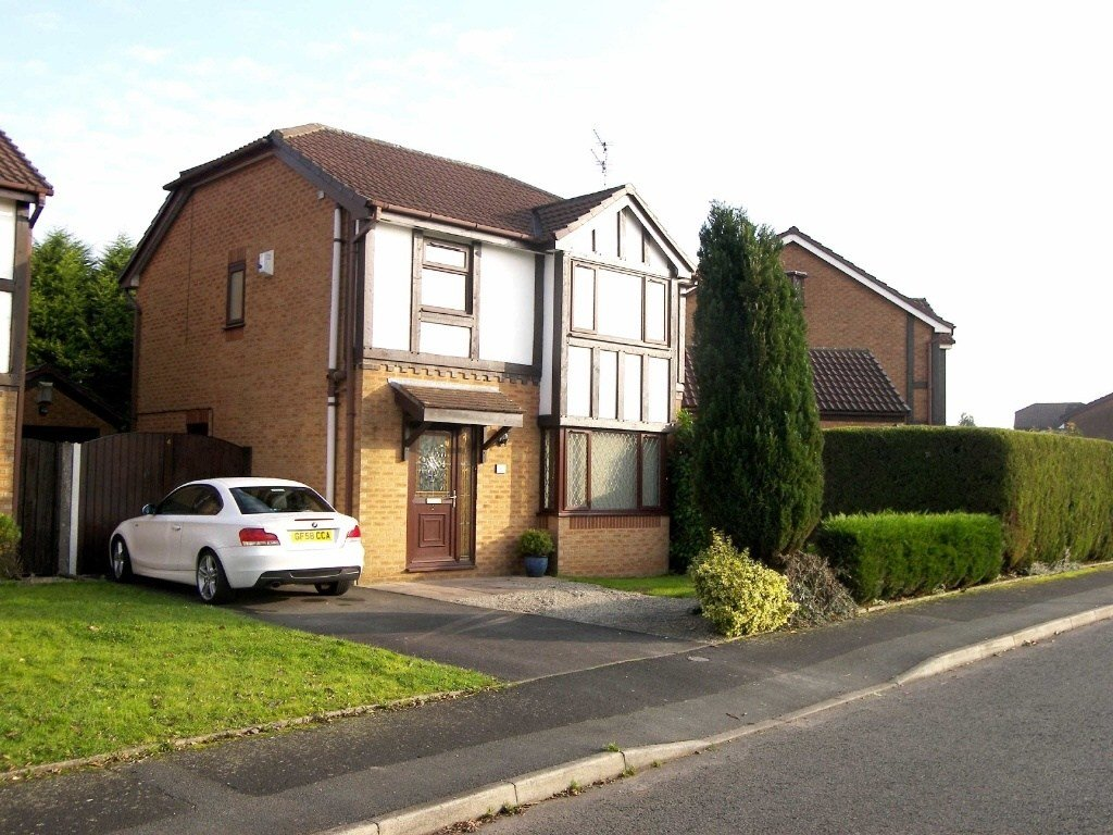 Best 3 Bedroom Detached House For Sale In Tiverton Close With Pictures