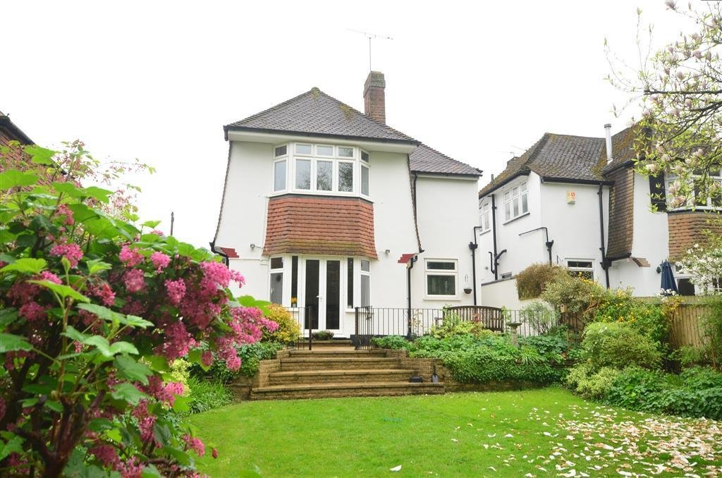 Best 3 Bedroom Detached House For Sale In Hartland Way Shirley Croydon Surrey Cr0 With Pictures