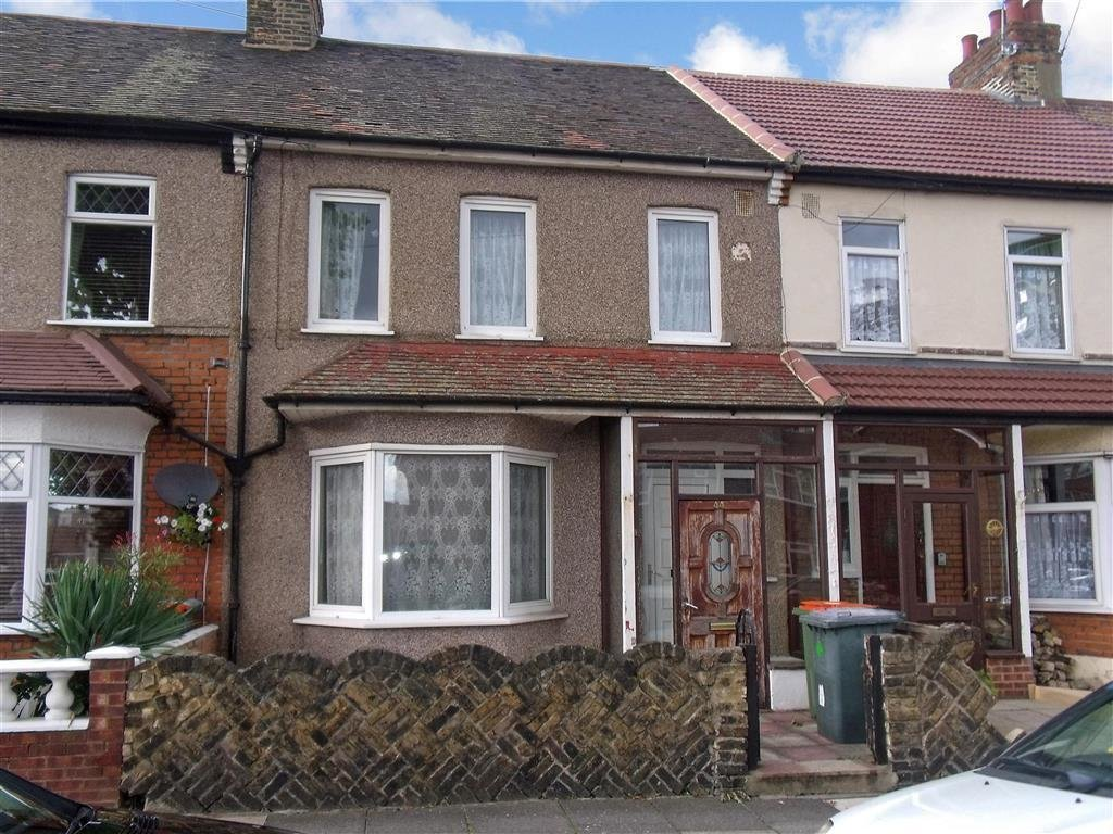 Best 3 Bedroom Terraced House For Sale In Melford Road East Ham London E6 With Pictures