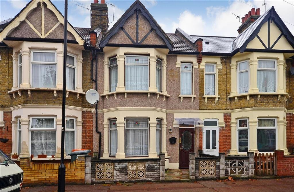 Best 3 Bedroom Terraced House For Sale In Masterman Road East Ham London E6 With Pictures