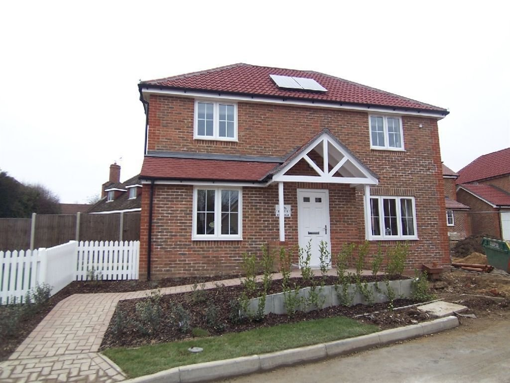 Best 3 Bedroom House For Sale In Franklin Drive Grove Green With Pictures