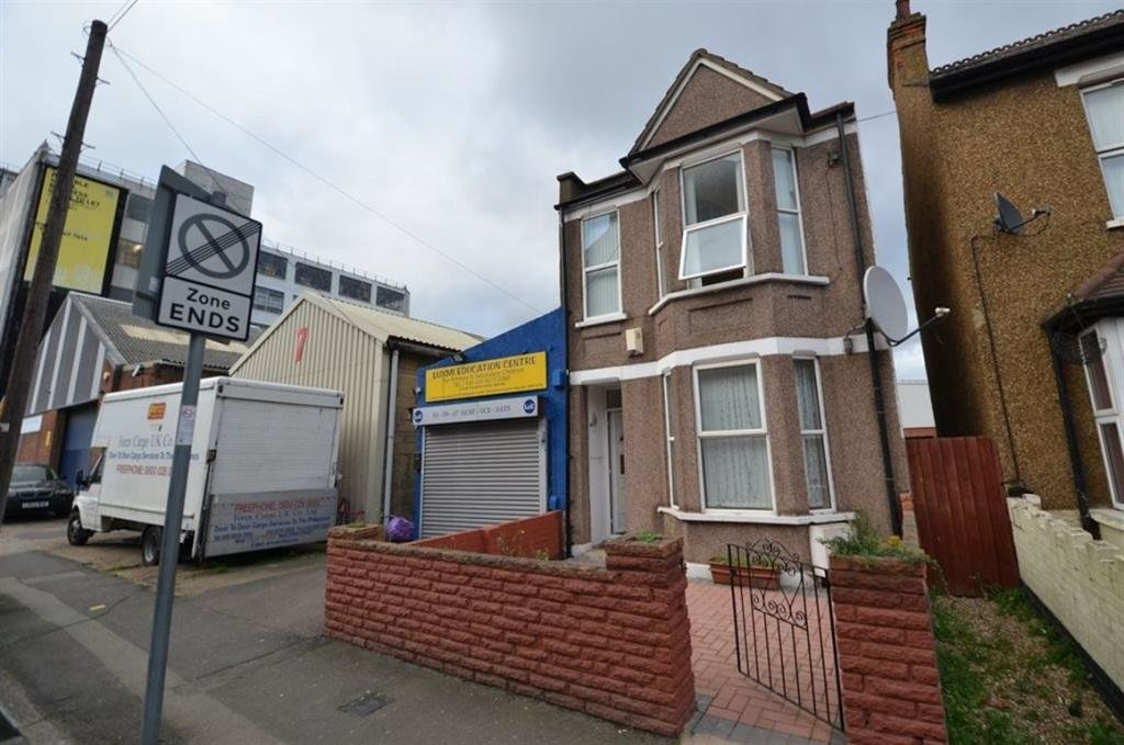 Best 3 Bedroom House To Rent In Blyth Road Hayes Ub3 Ub3 With Pictures