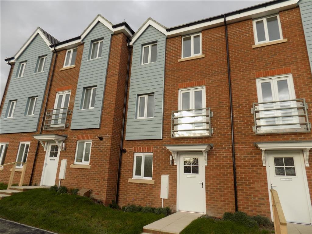 Best 3 Bedroom House To Rent In Weavers Close Eastbourne Bn21 With Pictures