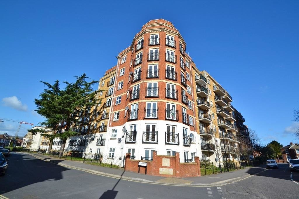 Best 2 Bedroom Flat To Rent In Handel Road Southampton So15 With Pictures