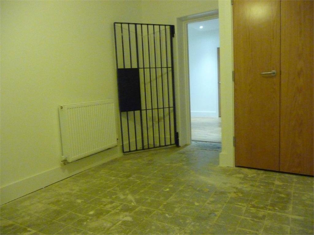 Best 2 Bedroom Flat To Rent In Salisbury Square Hatfield With Pictures