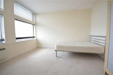 Best 1 Bedroom Apartment To Rent In City Heights Manchester City Centre M3 M3 With Pictures