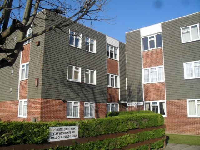Best 2 Bedroom Flat To Rent In The Ridings Gatcombe Park With Pictures