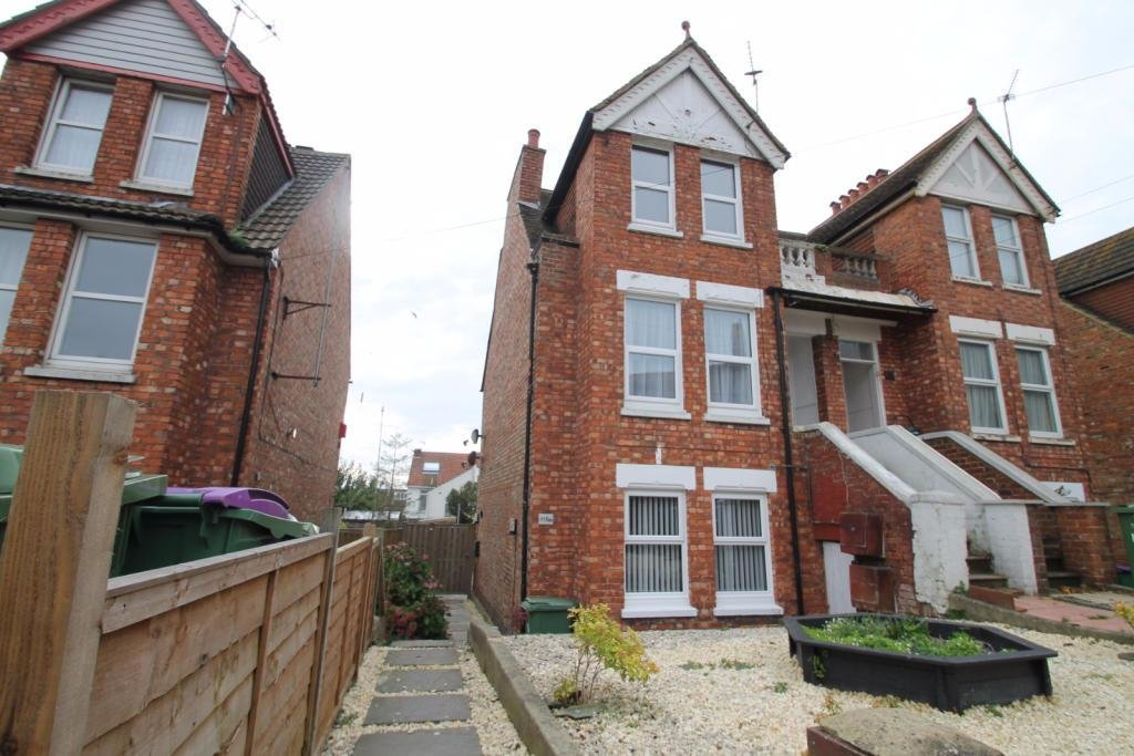 Best 1 Bedroom Apartment To Rent In Canterbury Road Folkestone With Pictures Original 1024 x 768