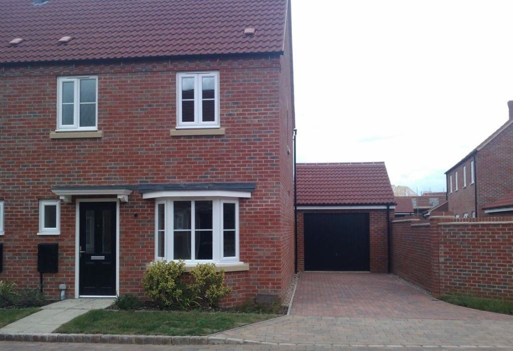Best 3 Bedroom House To Rent In Pomeroy Close Bedford Bedford With Pictures