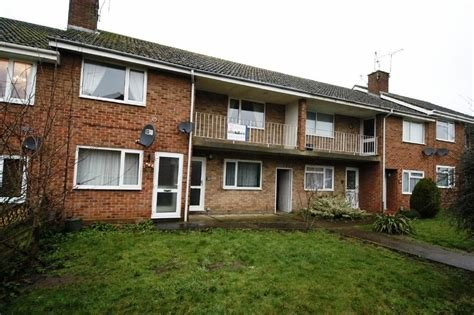 Best 2 Bedroom Maisonette To Rent In Mostyn Road Vinters Park With Pictures