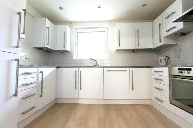Best 2 Bedroom Flat To Rent In Mayplace Lane Greenwich London Se18 3Tj Se18 With Pictures
