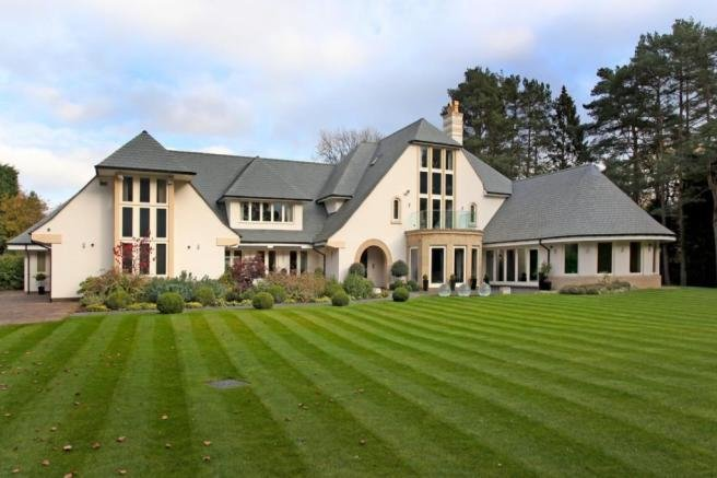 Best 8 Bedroom Detached House For Sale In Theobald Road Bowdon With Pictures