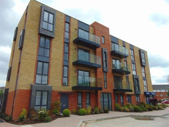 Best 2 Bedroom Apartment To Rent In Kenavon Drive Reading With Pictures