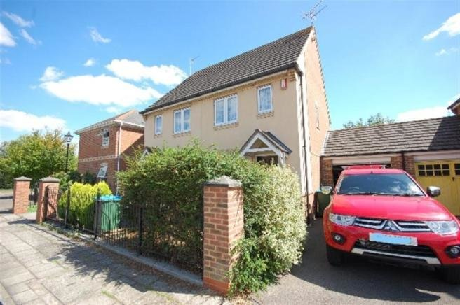 Best 2 Bedroom House To Rent In Fairford Leys Aylesbury Bucks Hp19 With Pictures