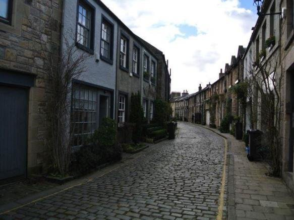 Best 2 Bedroom House To Rent In Circus Lane New Town With Pictures