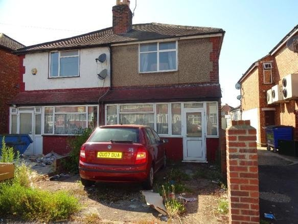 Best 2 Bedroom End Of Terrace House For Sale In Lansbury Drive Hayes Middlesex Ub4 Ub4 With Pictures