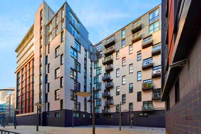 Best 2 Bedroom Flat For Sale In Oswald Street City Centre With Pictures