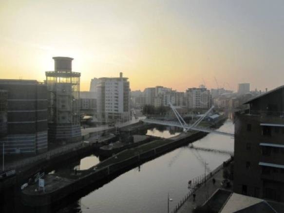 Best 2 Bedroom Apartment To Rent In Roberts Wharf Leeds City With Pictures