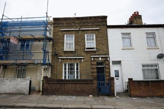 Best 3 Bedroom Terraced House For Sale In Sandy Hill Road With Pictures