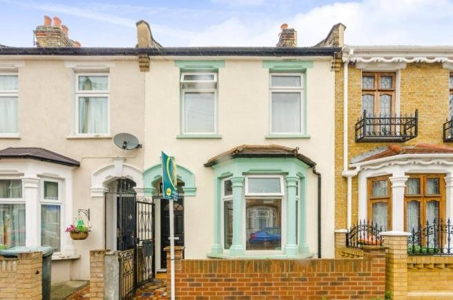 Best 3 Bedroom House To Rent In Dundee Road Plaistow E13 E13 With Pictures