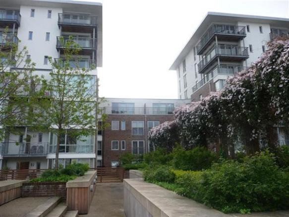 Best 2 Bedroom Apartment To Rent In Unicorn House Cross Street With Pictures