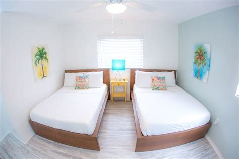 Best 1 Bedroom Pool Side Suite 2 Doubles St Pete Beach Suites With Pictures