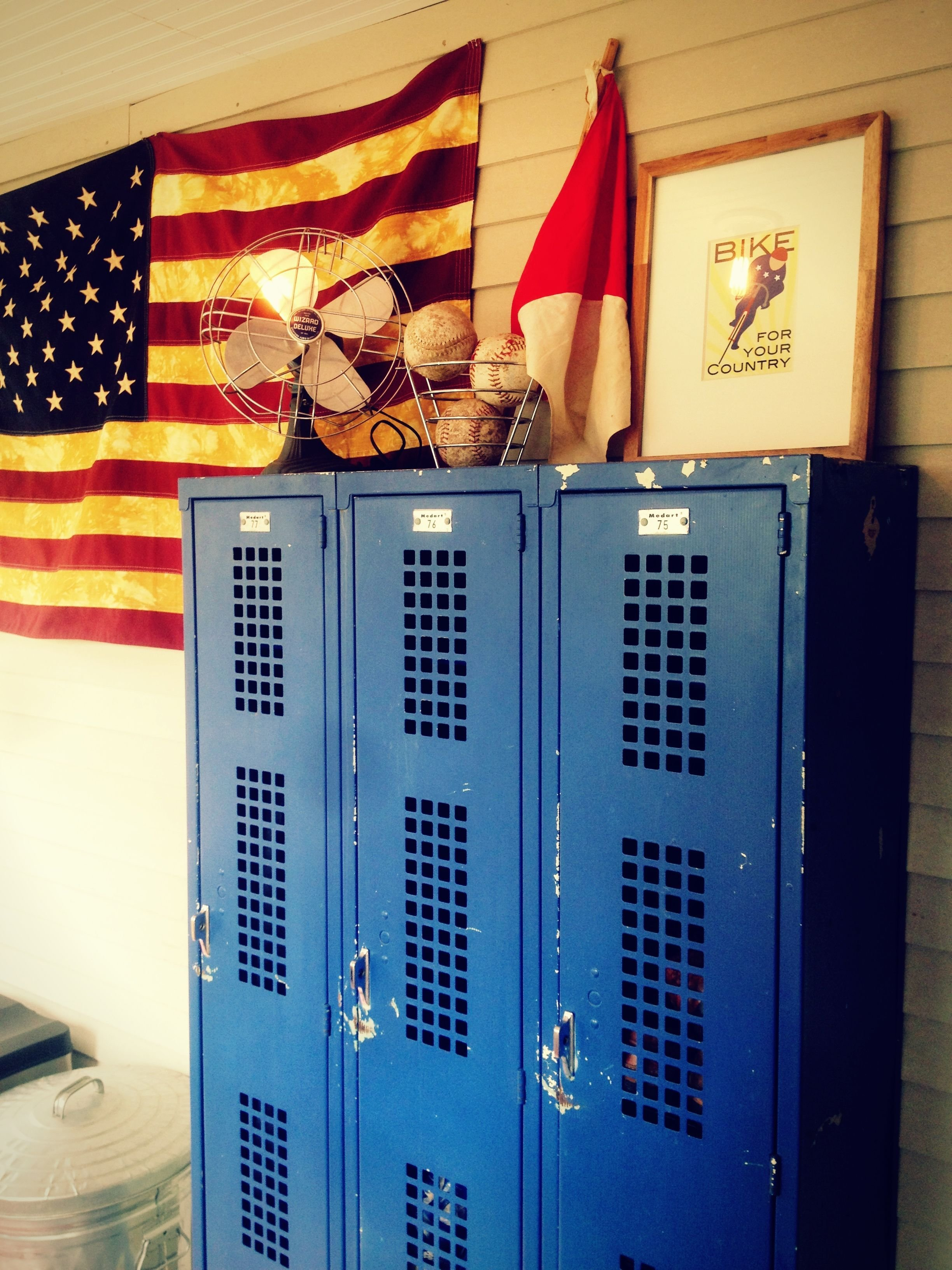 Best Ways To Use Metal Lockers In Kids Rooms Storage With Pictures