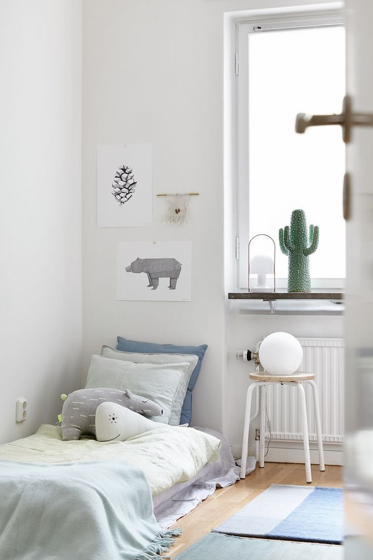 Best White Simple Beautiful Kid S Rooms Petit Small With Pictures