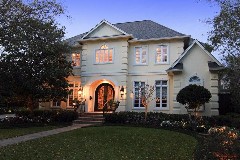 Best Houston Large Home For Sale In Bellaire Texas With 5 6 Bedrooms Pool And Spa On Large Lot With Pictures