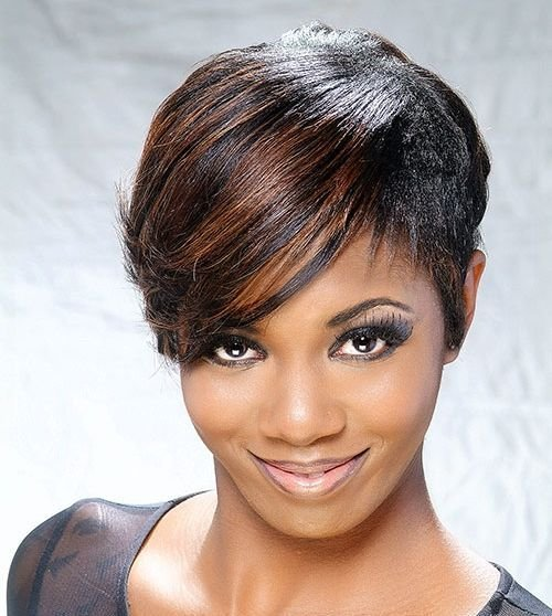 Free 20 Gorgeous Looks With Pixie Cut For Round Face Wallpaper
