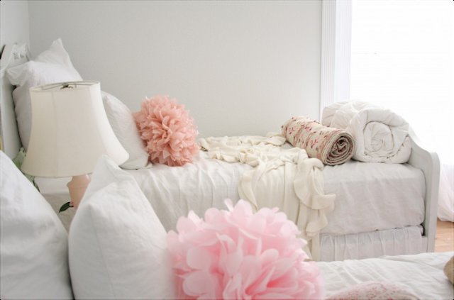 Best Girly Girl Vintage Style Bedrooms With Pictures