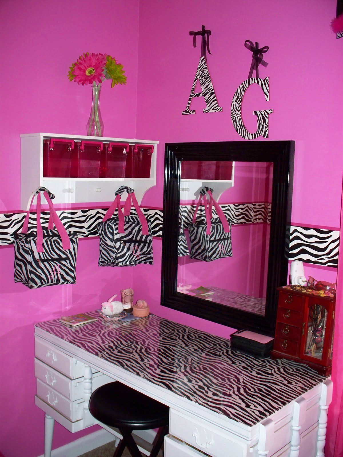 Best Mommy Lou Who Hot Pink Zebra Room With Pictures